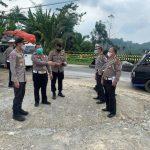 Dirlantas Polda Sumut Kombes Valentino Tinjau Longsor di Jalan Medan-Berastagi